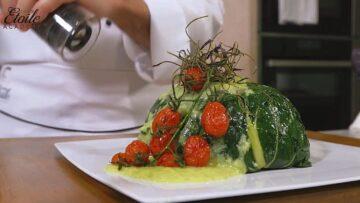 Timballo Vegetariano con Verdure di stagione su Salsa al Porro dolce